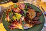 Biff med salat til middag ved Gardasjøen